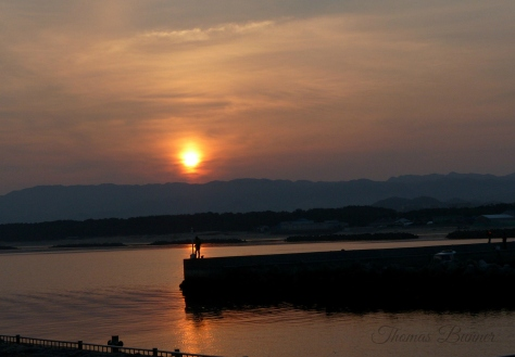 Shingu Port sunrise blog